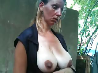 Flash and then Cum in the mouth pregnant mature women