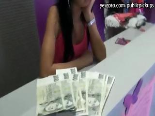 Skinny amateur brunette girl fucked the stranger for some cash
