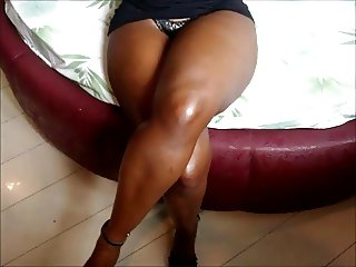 esposa de pernas cruzadas wife 039 s crossed legs