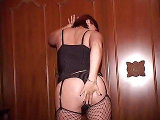 Sonia italian bbw chubby ass troia inculata