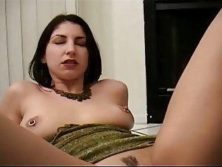 Brunette fisted by bighanded man a tough challenge