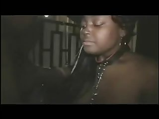 Black girl gives bombass deepthroat