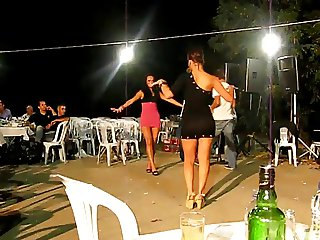 Turkish esim ve kardesimden sexy dance