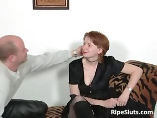 Mature slut in stockings sucks fat boner part3