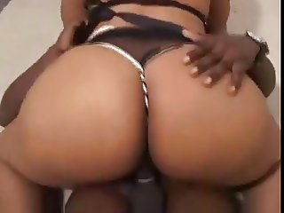 Milf Maid with gigantic Butt to fuck good
