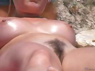 Beach Voyeur