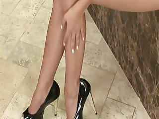 Stripping Girl 1