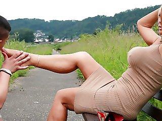 Lady barbara footjob 1