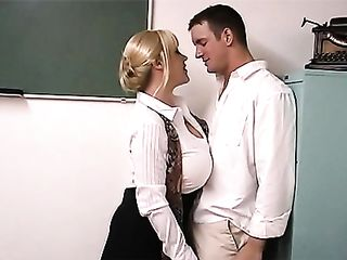 Bootylicious teacher enjoys hard dicks of her students in detention